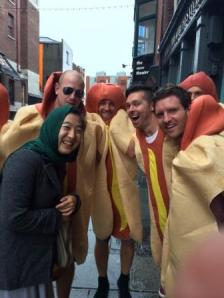 Min and the Hotdogs