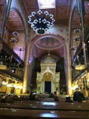 Hungary - Dohany Synagogue Inside