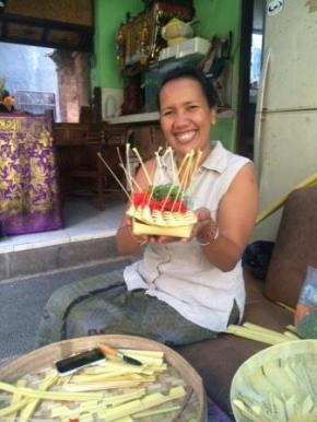 Indonesia - Bali Ubud Offering lady